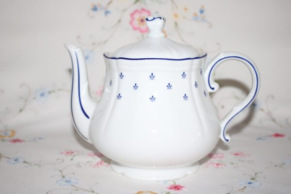 Richard Ginori Teapot